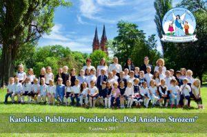 Grupowe zdjęcia przedszkolaków