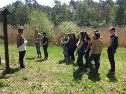 Obcując z przyrodą…  – uczniowie Długosza na zajęciach z ekologii w Myślęcinku