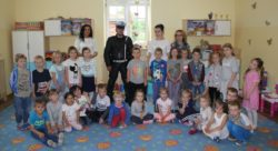 Spotkanie z  Panem Policjantem w przedszkolu.