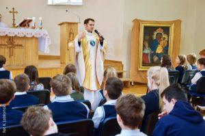 Pierwszopiątkowa spowiedź iMsza św.dla uczniów klas 4 i5 SP