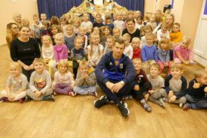 Wizyta piłkarza w przedszkolu