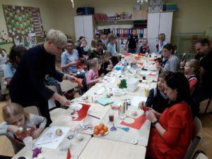 Warsztaty świąteczne zrodzicami uczniów klasy 1a