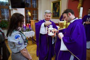 Betlejemskie Światło Pokoju dotarło donaszej szkoły