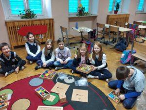 Edukacja wczesnoszkolna z darami Froebla