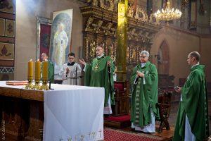 Uroczysta Eucharystia pod przewodnictwem Bp. Wiesława Meringa na zakończenie roku szkolnego