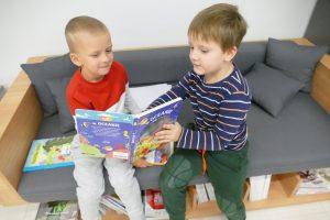 """""""Mały czytelnik, to Ja"""" – Iskierki na zajęciach w bibliotece"""