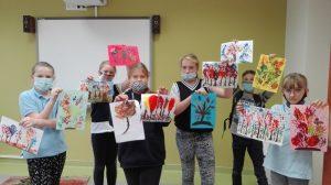 Jesienne inspiracje młodych miłośników sztuk plastycznych