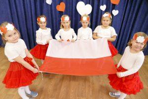 Przedszkolaki świętują 11 Listopada – Święto Niepodległości